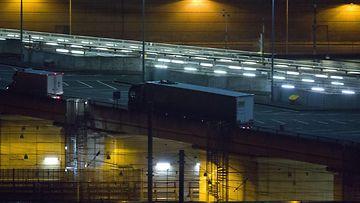 eurotunneli ranska iso-britannia englanti siirtolaiset pakolaiset 3