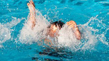 hukkua, hukkuva, lapsi, uima-allas