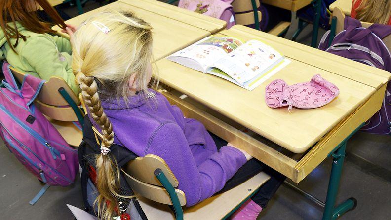 Lapsi koulussa (3)