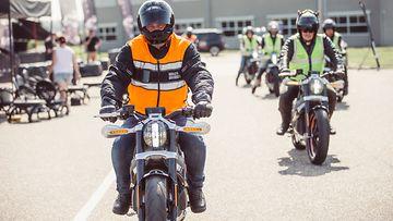 Harley-Davidsonin muusta mallistosta poiketen Livewire-pyörän ajoasento on katupyörämäisen pysty.