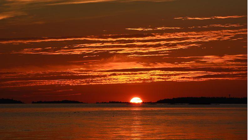 Auringonlasku Raumalla 10. elokuuta 2015. Lukijan kuva: Rami Salonen