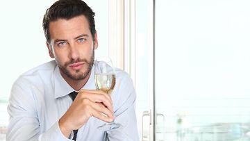 mies ja viini
