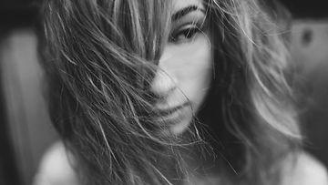Yksinäinen nainen