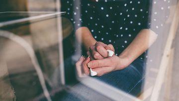 Nainen ja tabletti (1)