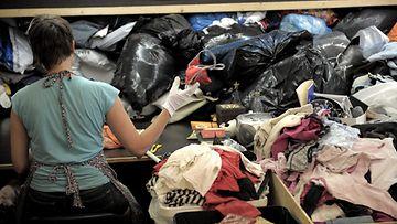 Vaatteiden kierrätystä