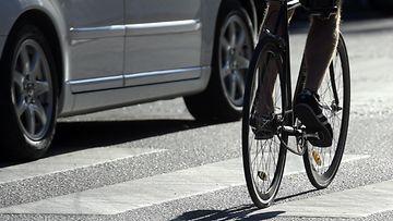30744613 pyörä suojatie