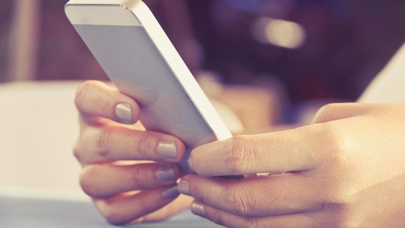tekstata, tekstiviesti, puhelin