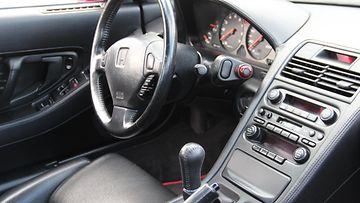 Honda NSX:n ohjaamo.