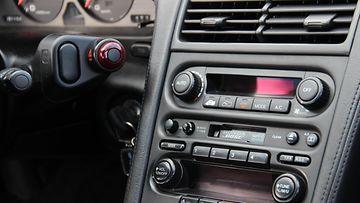 Honda NSX:n keskikonsoli.