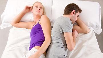 Pari sängyssä (2)