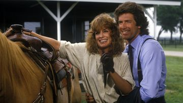 Dallas – Sue Ellen (LInda Gray) ja Nicholas Pearce (Jack Scalia)