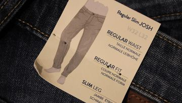 Miesten farkkuja (1)