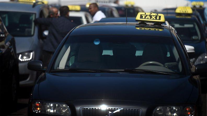 Taksi maahanmuuttaja