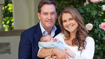 Chris, Madeleine ja prinssi Nicolas kuvattuna heinäkuussa Sollidenissa.