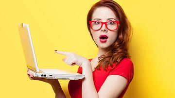 yllättynyt, nainen, kannettava tietokone
