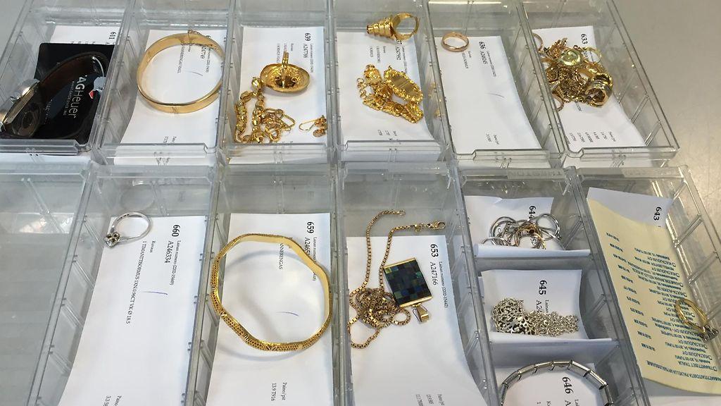 Kauneimmat korutrendit ovat tässä: nyt halutaan jalokiviä ja mustaa kultaa!