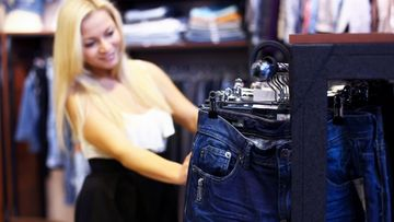 nainen, shoppailu, farkut