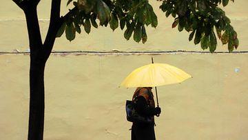 nainen_sateenvarjo (1)