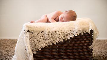 Vauva (1)