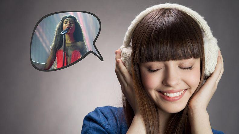 Nainen kuuntelee Latvian vuoden 2015 Euroviisuedustajaa