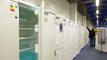jääkaappeja rivissä