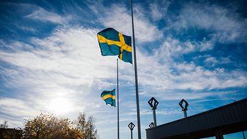 Liput olivat puolitangossa laajalti tänään Ruotsissa.