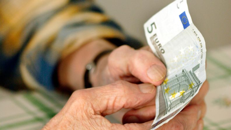 kädet, raha, rahankäyttö
