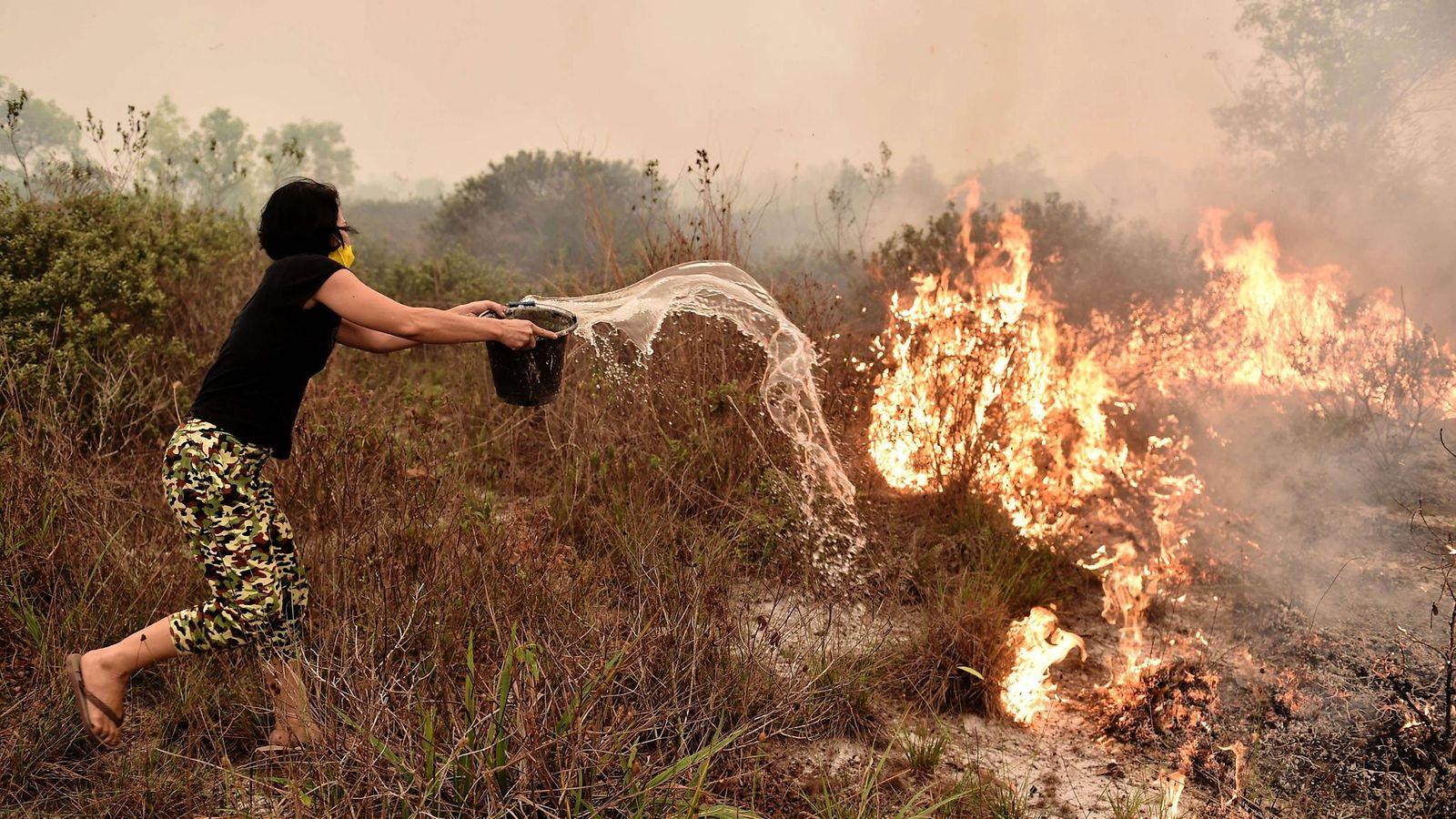 """Suurpalot korventavat Indonesiaa: """"Valtava osa maapalloa on tulessa, se on kuin helvetti"""""""