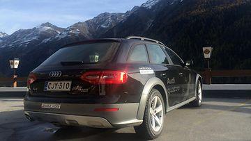 Alppimaajoukkueen Audi A4 Allroad.