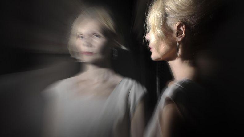 dementia, peili, nainen