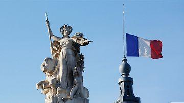 Pariisi lippu live