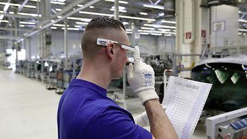 Volkswagenin Wolfsburgin tehtaalla on otettu 3D-lasit käyttöön.