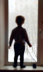 Osaako lapsia kertoa aikuiselle olevansa yksinäinen?