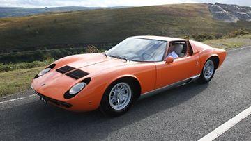 Lamborghini Miura kokonaan