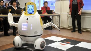 robotti, robotiikka, vanhustenhoito