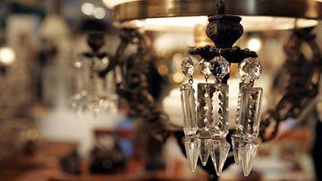 Antiikkinen kristallikruunu