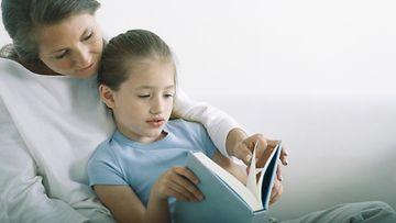 äiti, lapsi, lukea
