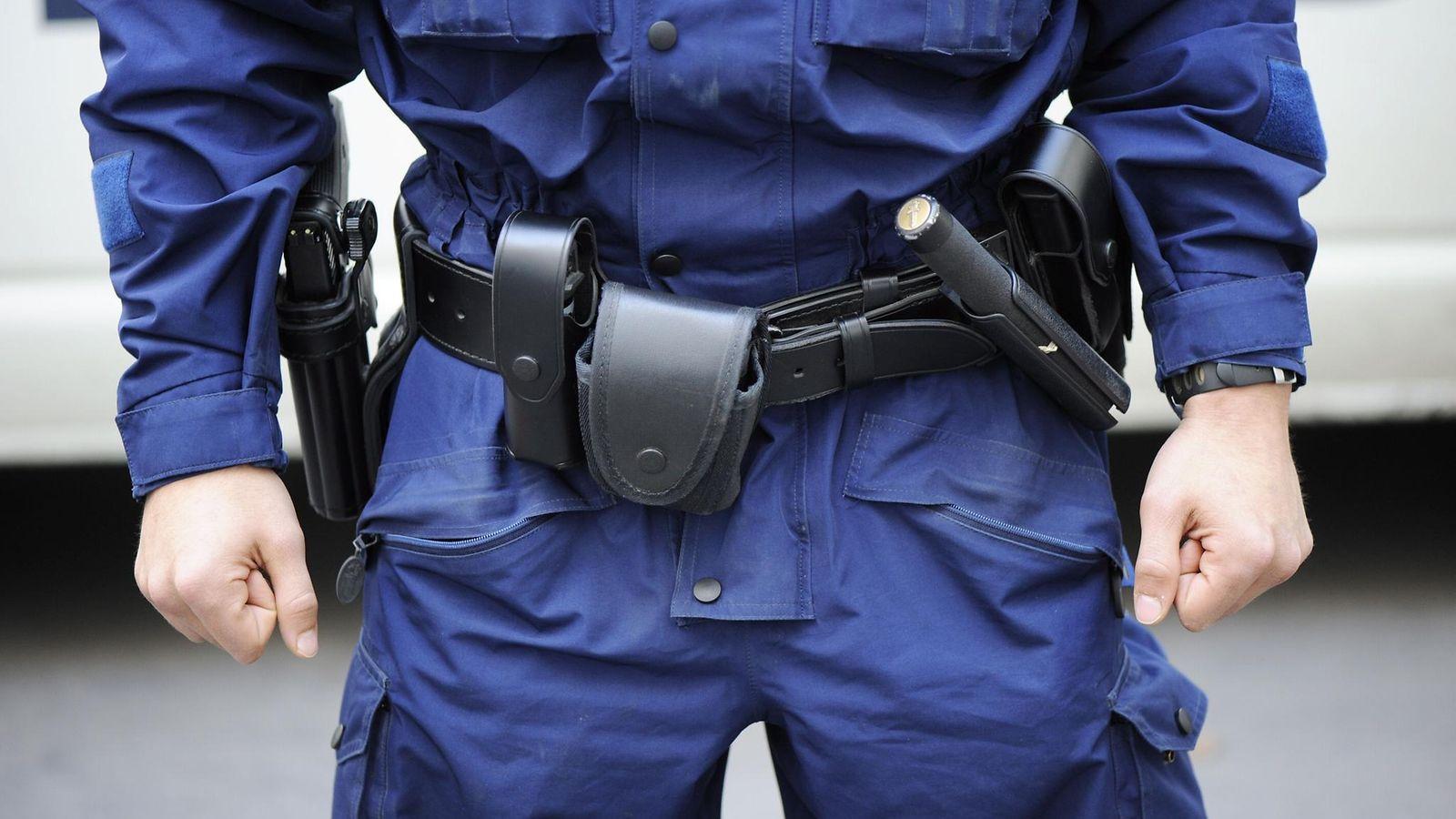 Poliisin Virka Ase