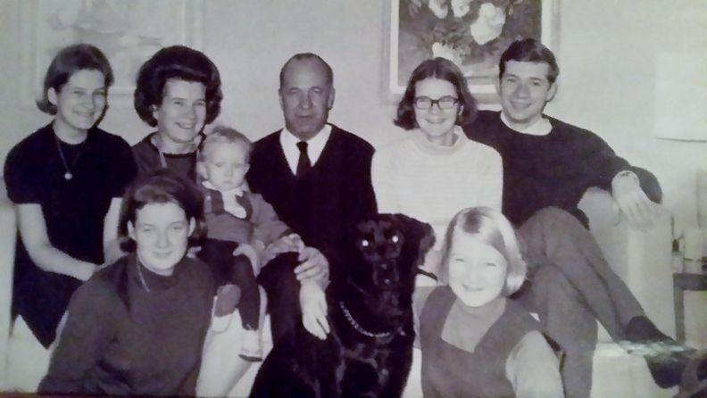 Perhekuva 1966