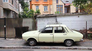 Dacia, jota valmistettiin Renaultin kanssa yhteistyössä Romaniassa.