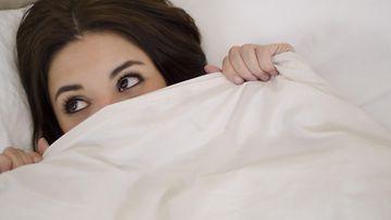 nainen, epävarma, sänky