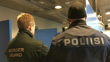 rajavartiolaitos ja poliisi vuosaaressa