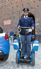 Segway ja italialainen poliisi.