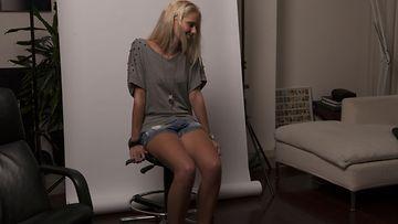 Zilla-niminen nainen väitti photoshopin avustuksella olevansa lomalla (1)