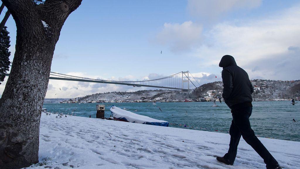 Lumi sotkee Istanbulin liikennettä - Ulkomaat - Uutiset - MTV.fi