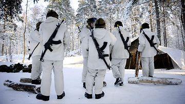 Varusmiehet varusmies armeija intti talvi puolustusvoimat