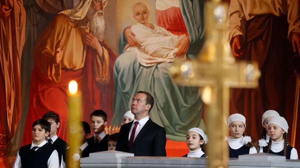 joulu venäjällä 2018 KUVAT: Venäjä viettää joulua – Putin ja Medvedev joulukirkossa  joulu venäjällä 2018