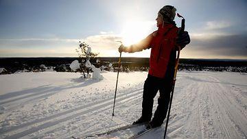 hiihtäjä