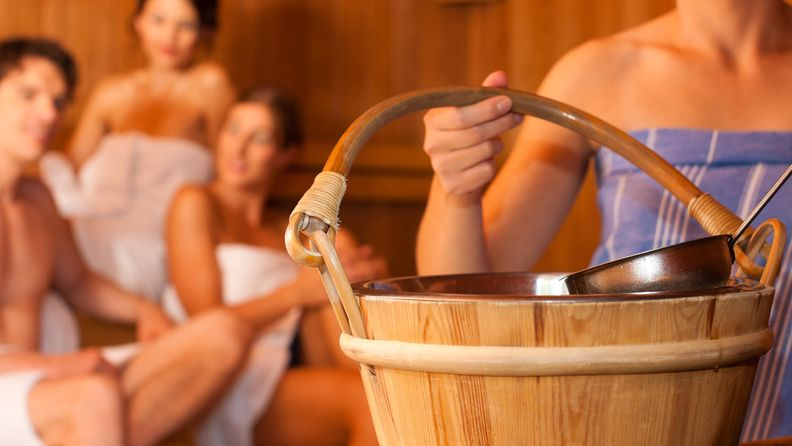 naiset sauna