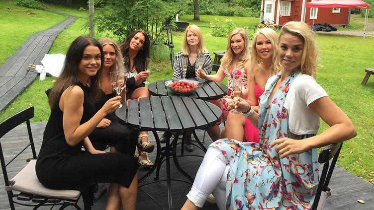 suomalaiset naiset saunassa Oulu